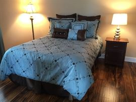 Full Size Mattress Set and Bedding