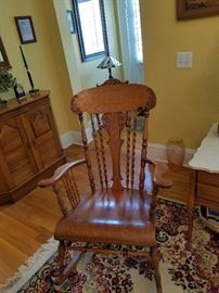 Beautiful antique oak rocker