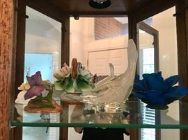 Porcelain Flowers & Art Glass Bird