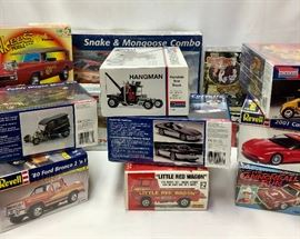 Car and Truck Model Kits (14), Unopened       http://www.ctonlineauctions.com/detail.asp?id=725603