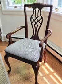17. Vintage Drexel Heritage Spoon Foot Dining Chairs (2 Arm, 4 Side)