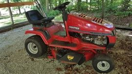 Snapper Lawn Tractor           http://www.ctonlineauctions.com/detail.asp?id=728511
