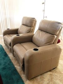Theatre-style pair of recliners with cupholders (they separate!)