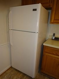 Frigidaire Refrigerator/ Freezer (65 X 30 X 30)