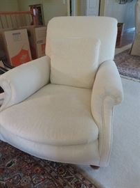 WHITE LINEN CLUB CHAIR
