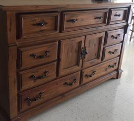 Haverty's dresser part of bedroom suite