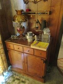 LAMPS AND CHEST