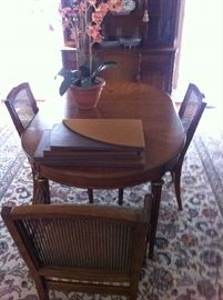 MID-CENTURY DINING TABLE & 6 CHAIRS