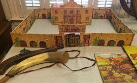 Walt Disney's Davy Crockett's Alamo Play Set, Civil War replica gun, replica powder horn, vintage puzzles