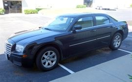 2007 Chrysler 300, 4 Door Passenger Car, Sunroof, Automatic Transmission, 60,655 Miles, VIN # 2C3LA43R57H861339