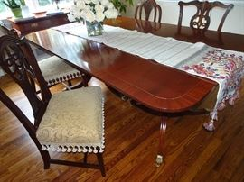 "Baker Colonial Reproduction Mahogany Dining Room Table  & Chairs - 3 18"" Leaves & pads included  72"" X 46"" X 29""H without leaves"