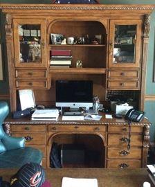 Hekman Desk