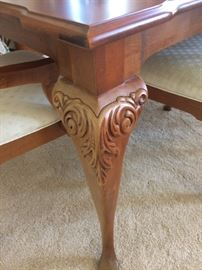 Thomasville dining room set. Beautiful carving