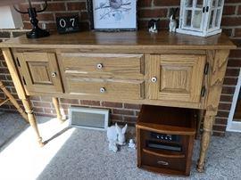 Oak Side Board/Server/Sofa Table...