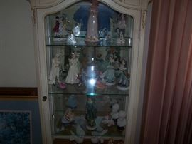 FRENCH-STYLE CURIO & FIGURUNE COLLECTION