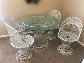 Russell Woodard spun fiberglass patio set.