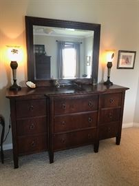 Hooker dresser that goes with bedroom set.