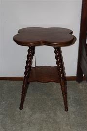 Turned leg Victorian table with lobed top