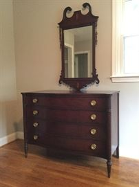 Drexel Chest of Drawers with Mirror   http://www.ctonlineauctions.com/detail.asp?id=726874