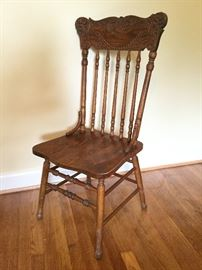 Vintage Wood-Carved Chairs    http://www.ctonlineauctions.com/detail.asp?id=726900