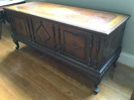 Carved Wood Chest          http://www.ctonlineauctions.com/detail.asp?id=726920