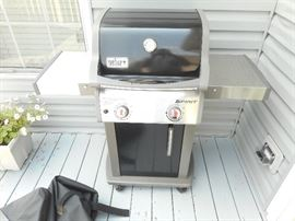 Weber Spirit 2  propane gas grill in nice condition