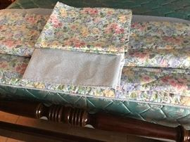 Full/Queen comforter, 2 shams and bed skirt.  Reversible