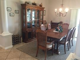 Dining Table w/2 Leaves & 6 Chairs, $500