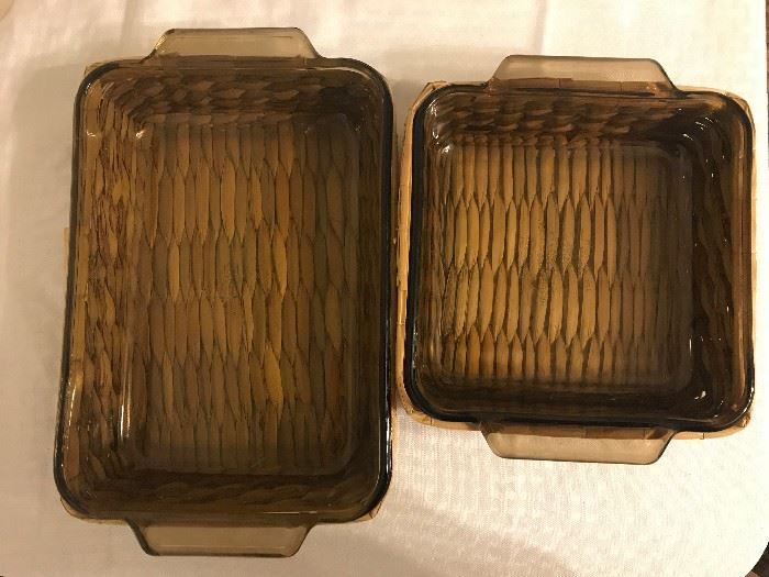 Glass Anchor Baking Pans with Wooden Basket Carriers