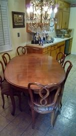 table set with 6 chairs - in great shape 250 set