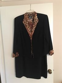 Lots of women's clothing available- sizes 14 to 20