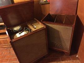 Groovy retro solid mahogany stereo; restore or repurpose!