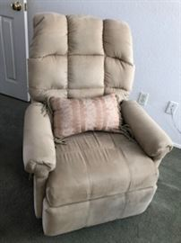 Ladies, smaller recliner