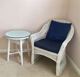 Wicker Arm Chair w/ Accent Table