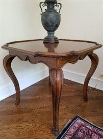 Square Table w/ cabriole legs30sq x 26h