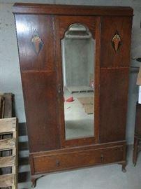 Mahogany wardrobe in great condition.