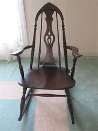 Old fashion rocker. Great condition.
