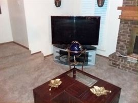 """Only Myestatesalestesm.com offers a Silent Auction! = Call 🏆Text  713-249-4777 to place your """"Silent Auction"""" bid and save the gas until you win this beautiful corner cabinet!!! We have two"""