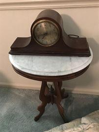 Vintage General Electric Mantle Clock $ 40.00