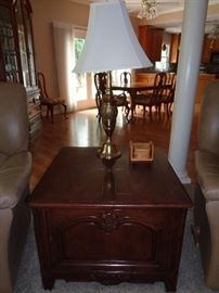 assorted small tables & lamps