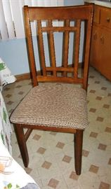 nice kitchen chairs  BUY IT NOW $ 35.00 EACH                   there are 6