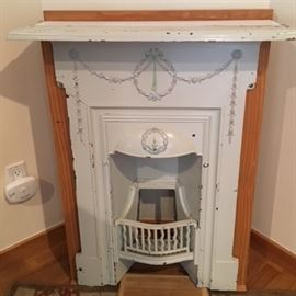 Antique Victorian cast iron fireplace surround, this is a fabulous piece