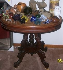Victorian walnut lamp table