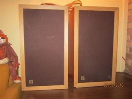beautiful pair of Acoustic Research AR3 suspension speakers