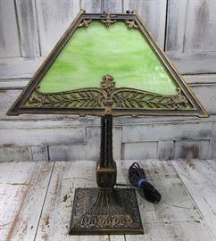 Arts & Crafts Pittsburgh P.L.B. & G. Lime Green Slag Glass Library Table Lamp, 1 panel broken