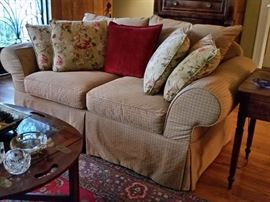 Oversize loveseat with coordinating pillows
