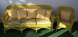 Antique Wicker Some / Bench