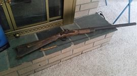 Old black powder possibly Civil war.. Gun is in two pieces