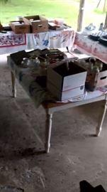 Miscellaneous kitchen/glassware & household items