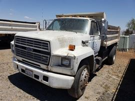 1990 Ford F700 Dump Truck with 10' Box,